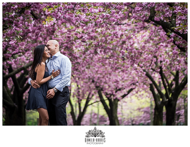 Brooklyn Botanic, Brooklyn, Brooklyn Botanic Garden, Engagement Session, NY, NYC, Cherry Blossoms, Natural, Fun, Candid, Whimsical, Cute, Lovely, Pink, Brooklyn Bridge, Balloons, Photojournalism, Photojournalistic, Portrait, Engagement, Engagement Photo, Engagement Session
