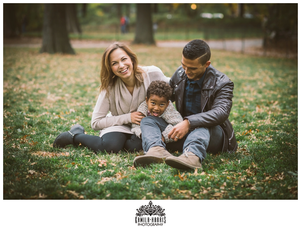 Family Photos, Central Park, NYC, New York, Fall, Fall Family Photos, New York City Family Photographer, Fall Colors, Cute, Sweet, Natural, lifestyle